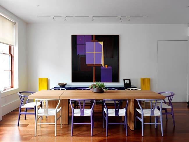 Ultra Violet, color Pantone 2018