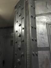 IPN de décoration style Eiffel incrustation réalisé ainsi sur des murs métals industriels