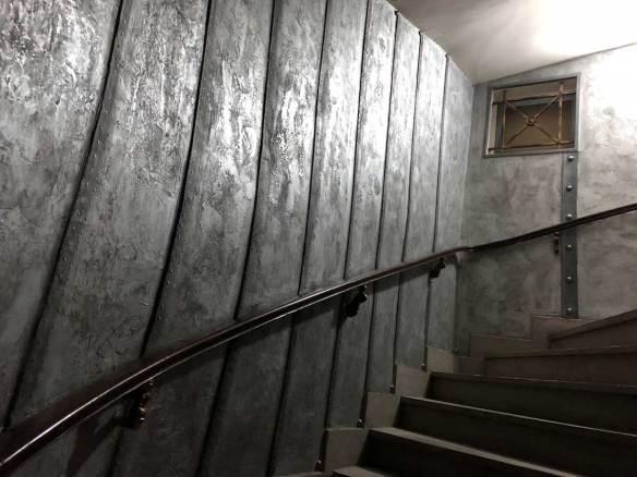 des murs style Eiffel métal restaurant nautilus jules verne