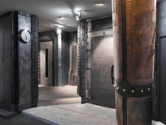 décor de théâtre style industriel, reproduction entrée immeuble