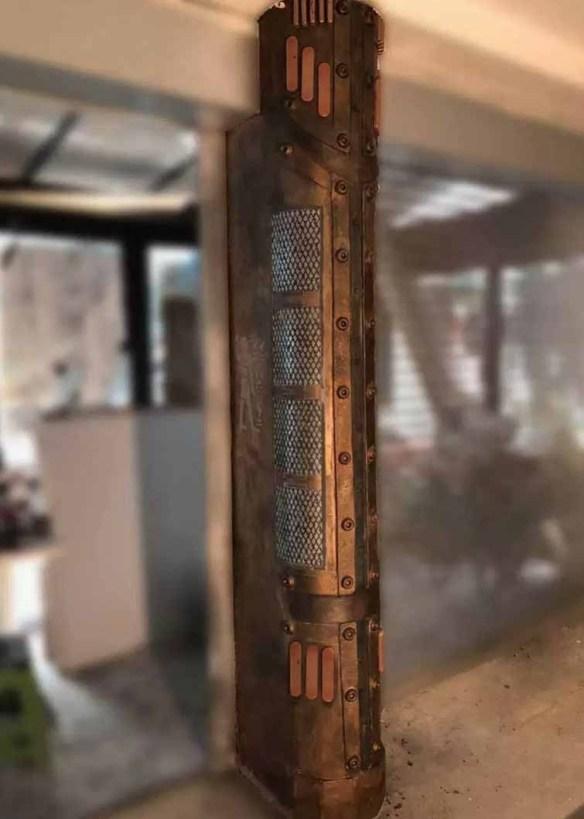 rénovation décoration de magasin avec colonne customisée