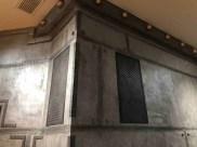 Décoration murs hall d'immeuble style industriel sur des murs metal