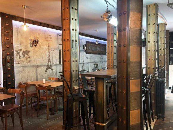 restaurant style industriel et IPN de décoration style Eiffel