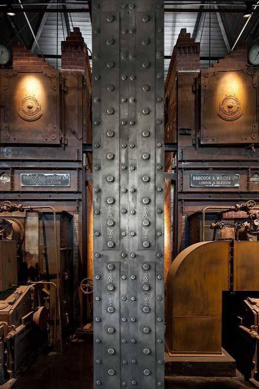 IPN décoration trompe l'oeil métallisé style Eiffel ensemble industriel