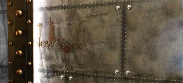 Plate forme décorateur mur métal style industriel et Eiffel