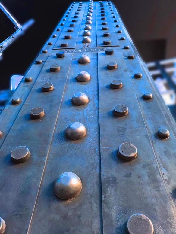 Décorateur de volumes et surfaces dans le style industriel et Eiffel