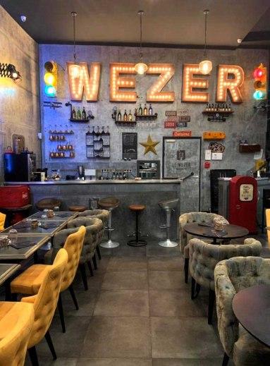 rénovation bar restaurant décoration industrielle et Eiffel
