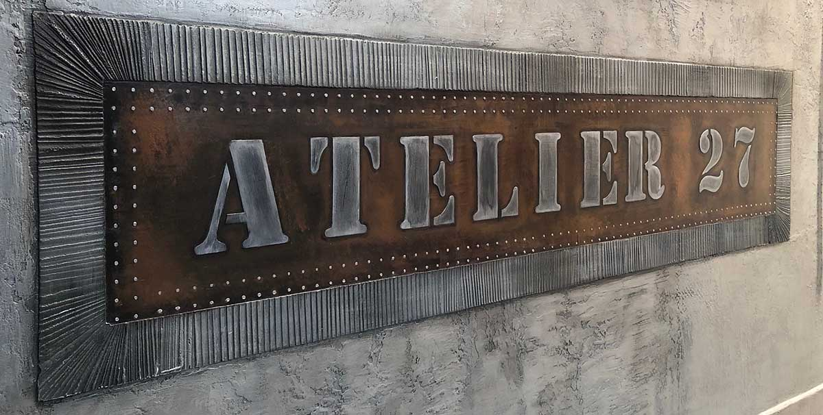 décoration de vitrines boutiques style Eiffel