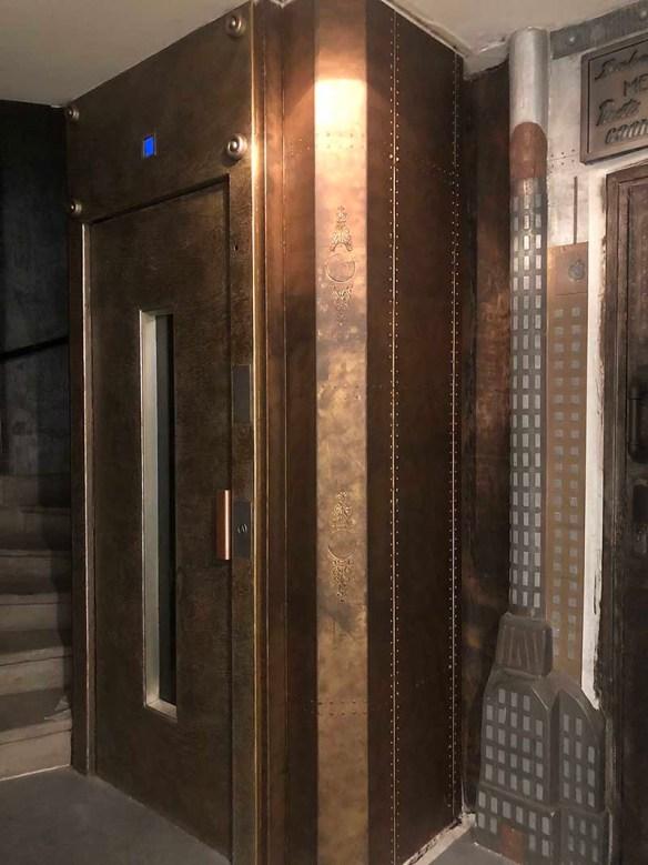 décorateur d'intérieur murs industriel ascenseur style industriel et Eiffel
