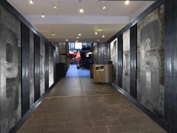 Décoration escape game murs métal et IPN style Eiffel