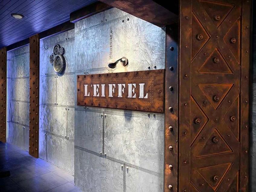 décoration d'intérieur Paris de murs restaurant style industriel et croix Eiffel