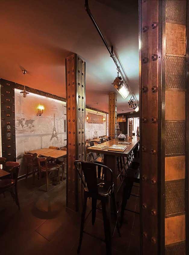 Design et décoration sur BA13 murs métal style industriel et IPN style Eiffel