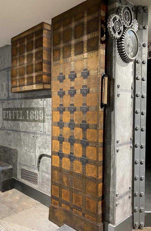 Peinture murale métal décorateur d'intérieur et IPN style Eiffel