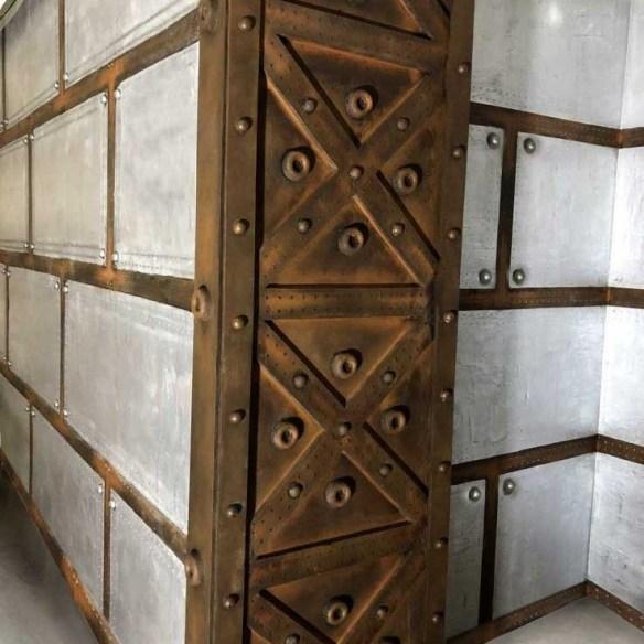 Rénovation décoration restaurant murs métal sur BA13 décorateur d'intérieur style industriel
