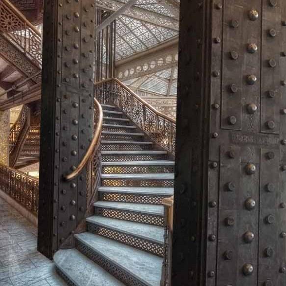 poutre métallique style Eiffel murs métal et IPN style Eiffel
