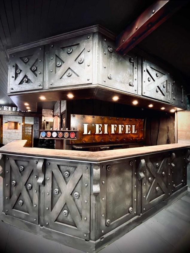 Décoration d'intérieur murs métal rénovation restaurant, brasserie, comptoir bar, BA13, hall immeuble, décorateur style industriel et IPN Eiffel - Décoration bar professionnel industriel