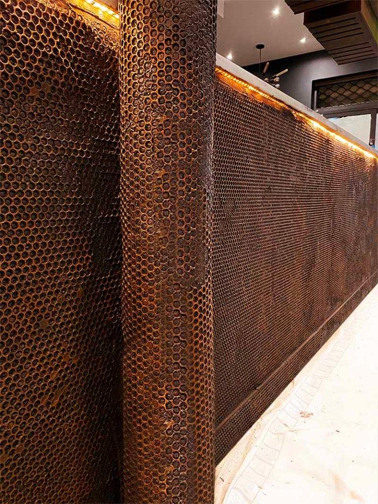 comptoir bar industriel métallisation customisation oxydée et rouillée