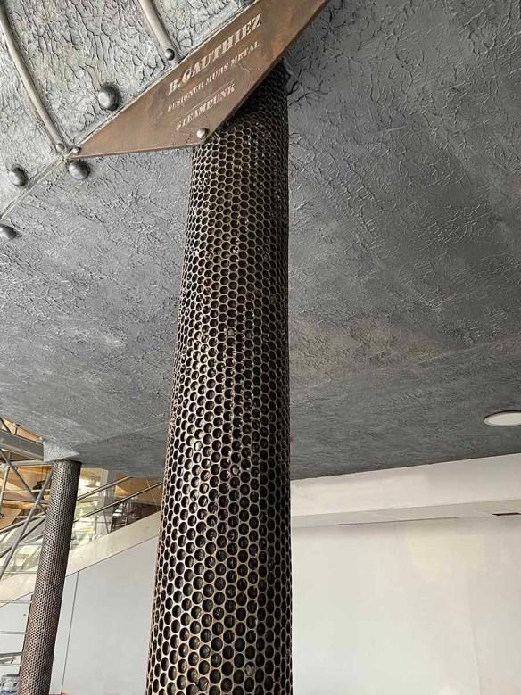 colonne décor cinéma style industriel Eiffel