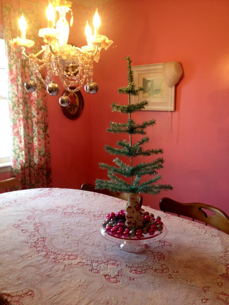 30 Beautiful Shabby Chic Christmas Decorations Ideas