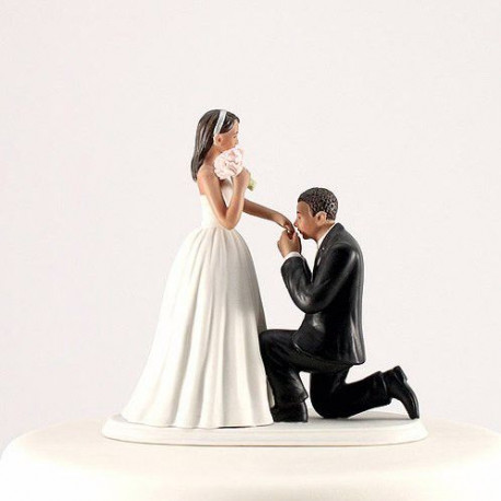 Figurine Baise Main Couple Brun