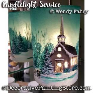 FAW18002web-Candlelight-Service-lit-up