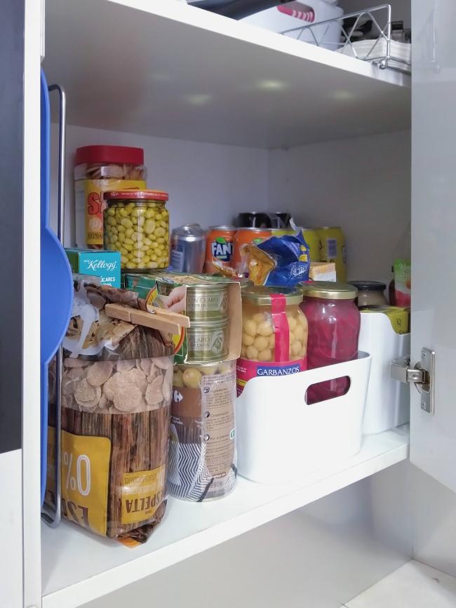 limpiar la despensa - los armarios y cajones de la cocina - junio relimpito
