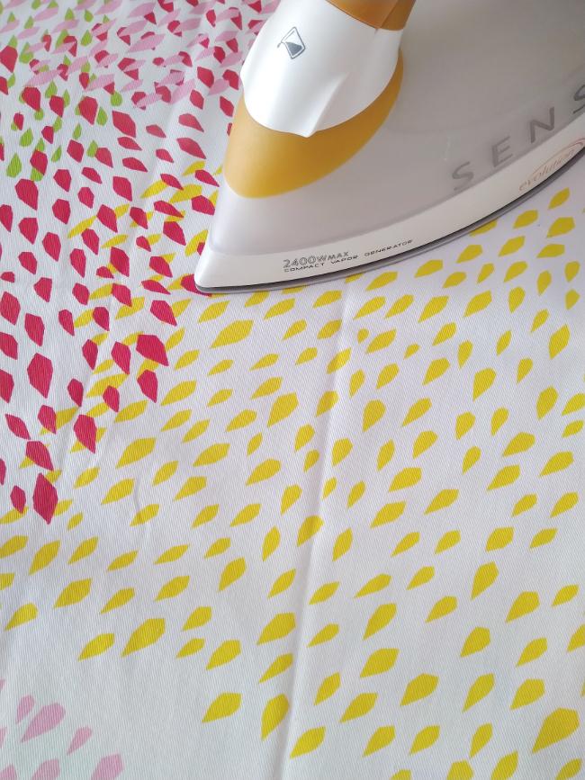 planchando la tela antes de usarla