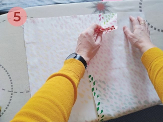paso 5 para unir el cojín con cinta termoadhesiva