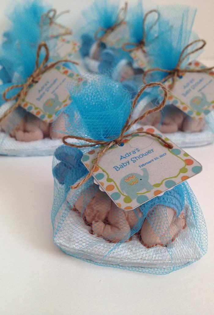 Esculturas de bebê em cerâmica ou biscuit