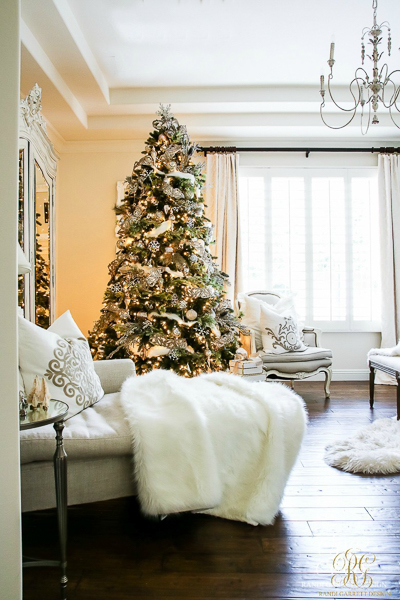 christmas-home-tour-bedroom-by-randi-garrett-design