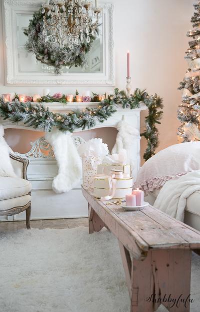 christmas-living-room-by-shabbyfufu