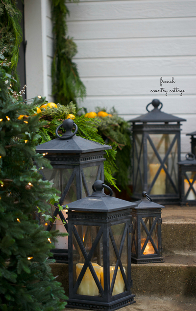 christmas-porch-french-country-cottage_