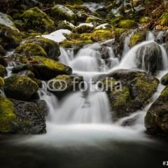 fototapeta-wodospad-do-lazienki-3d