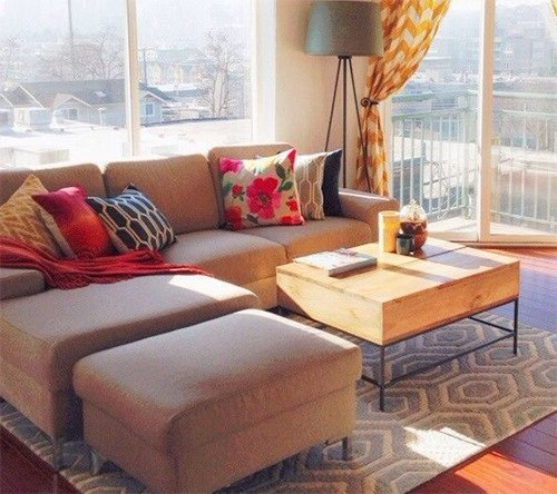 small space decorating with pillows(livingroom)