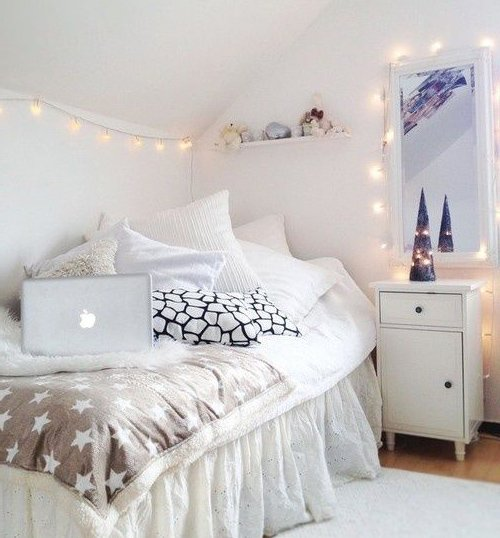 white small bedroom creative lighting idea