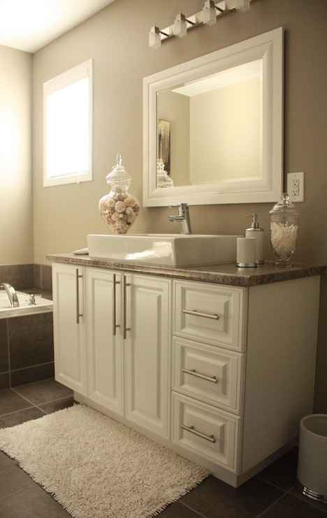 bathrooms - Sherwin Williams - Intellectual Gray - Painting lights bath accessories decorative sea stars vases rug mirror  Pamela Pryce bathroom