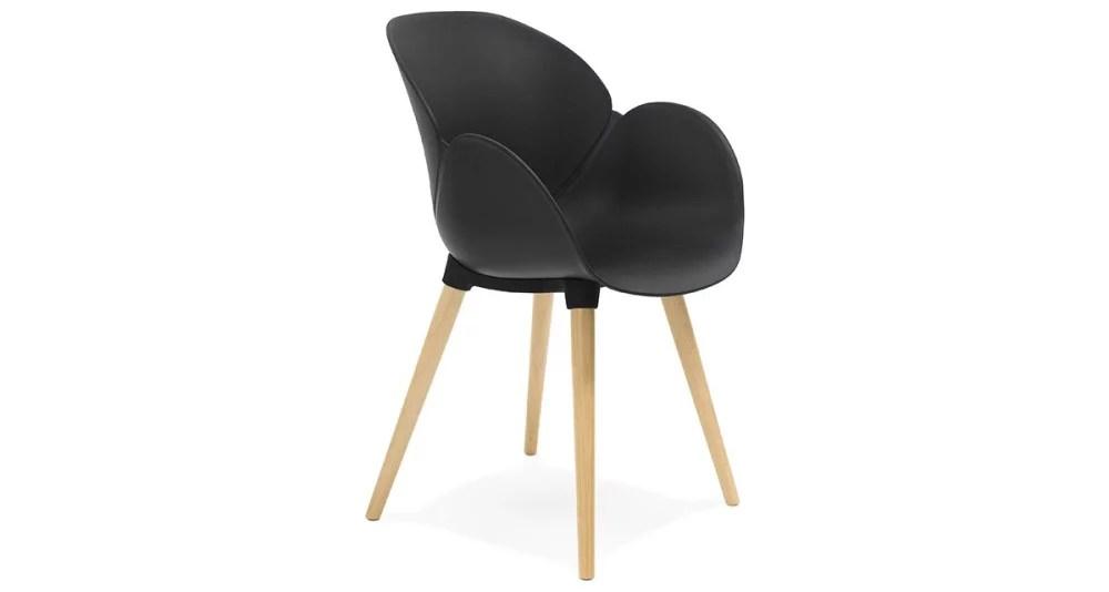 chaise scandinave noire avec pieds bois hillsand