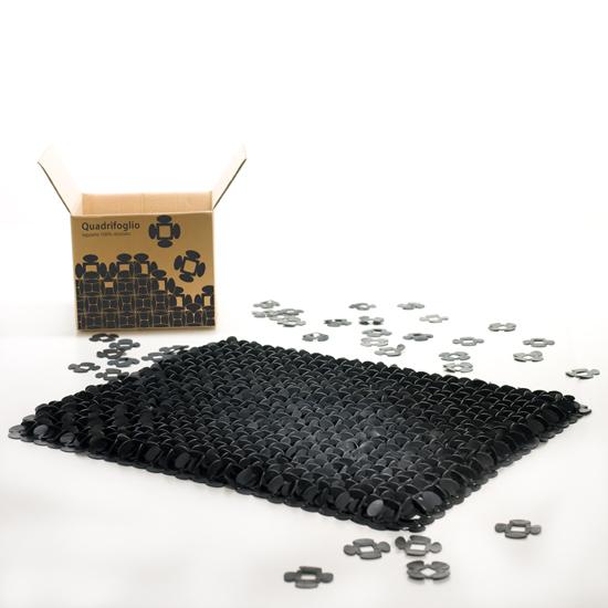 Le tapis designQuadrifoglio byAdrianna Suri pour Uroboro