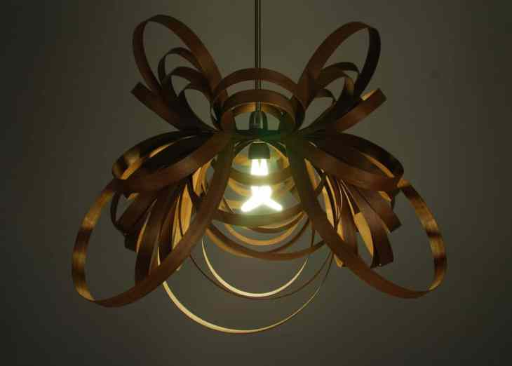 Les suspensions Butterfly Light by Tom Raffield