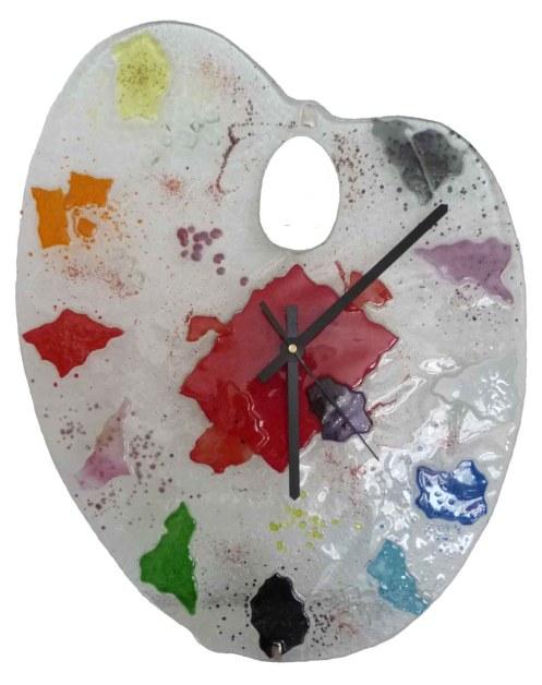 Horloges design :l'horloge palette de peintre by Gisèle Marty