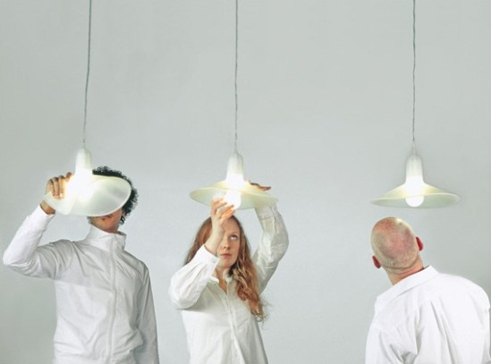 Lustre cuisine - Le lustre flexible Flex Lamp by Sam Hecht