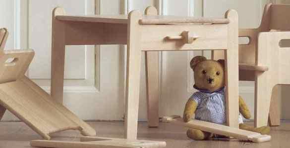 bureau pour enfant peter CH411 Carl Hansen