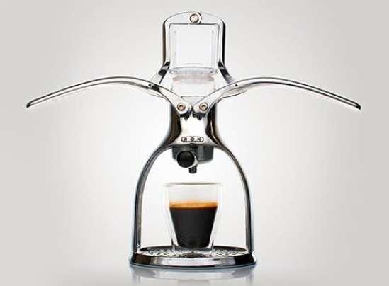 La cafetièremanuelle Rok