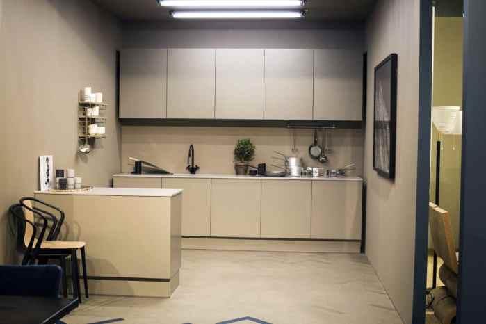 Comment agencer sa cuisine sur un mur pour gagner de l'espace