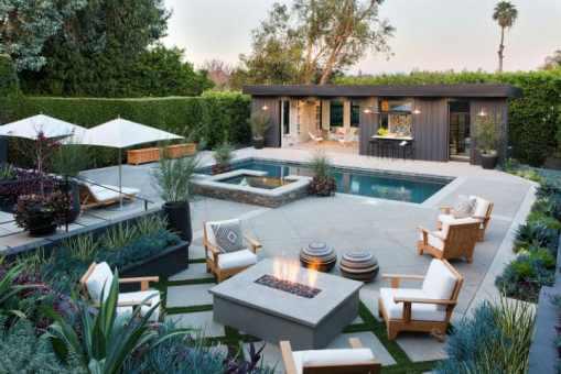 Helena Pool House