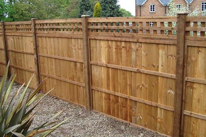 choisir une clôture de jardin bois