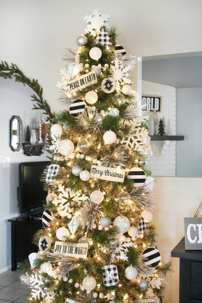 Idées de décoration de sapin de NoëlNoir et Blanc