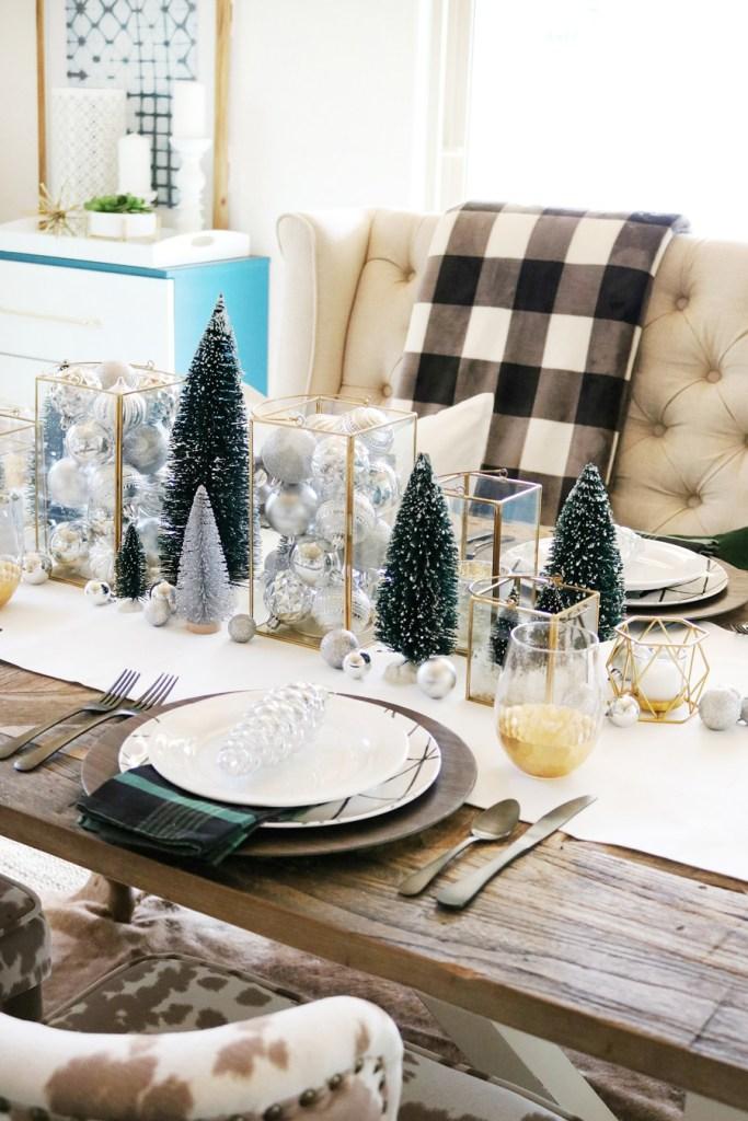 Centres de table de Noël: de petits arbres de Noël