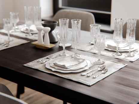 Visite d'un appartement au style glamour moderne sophistiqué 5