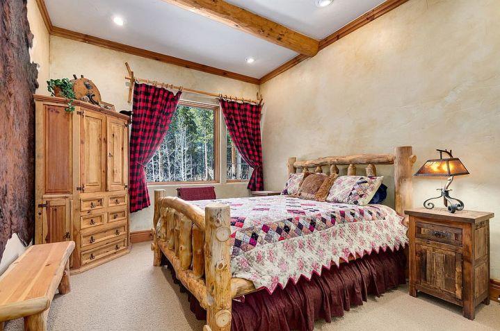 Des chambres rustiques avec une touche de couleur et des motifs 3